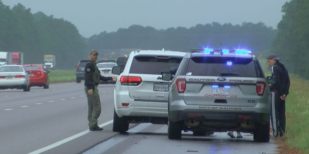 "Moss Point officer reminded that ""Move Over"" law saves lives"