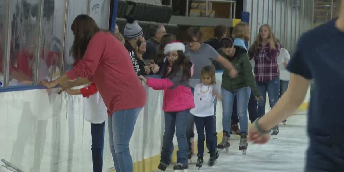 South Mississippians winding down for Christmas with ice skating