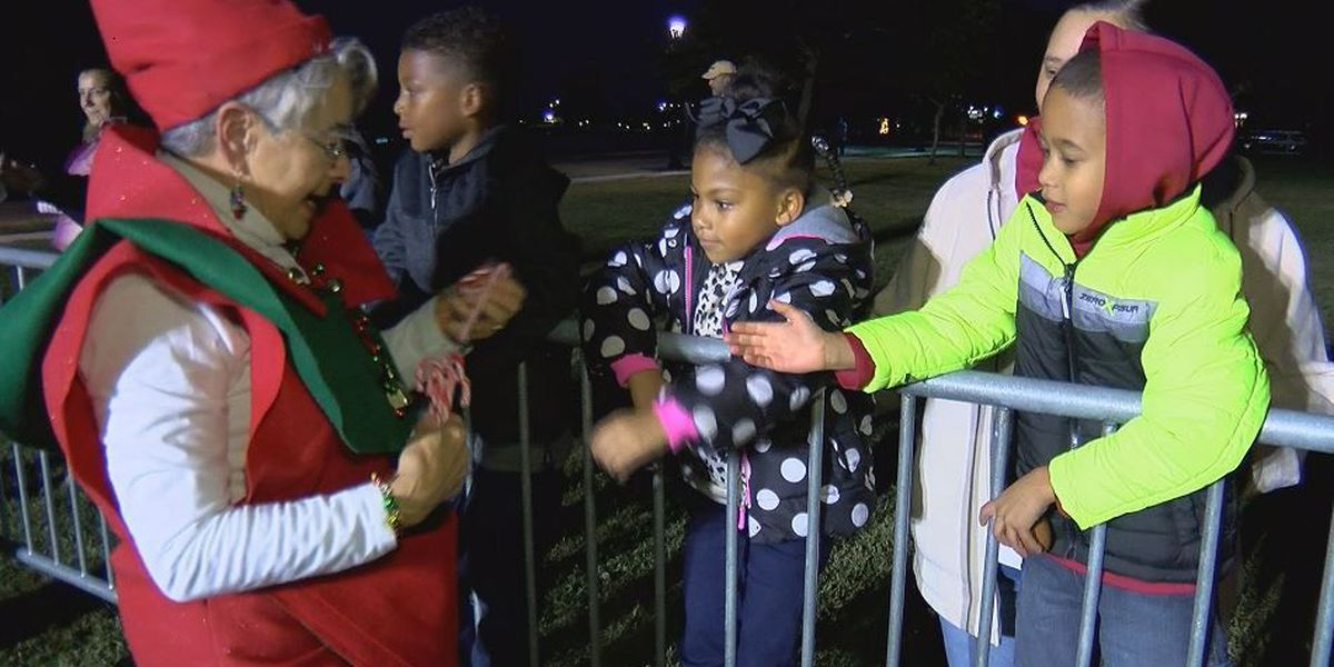 Christmas in the Pass charms downtown for 31st time