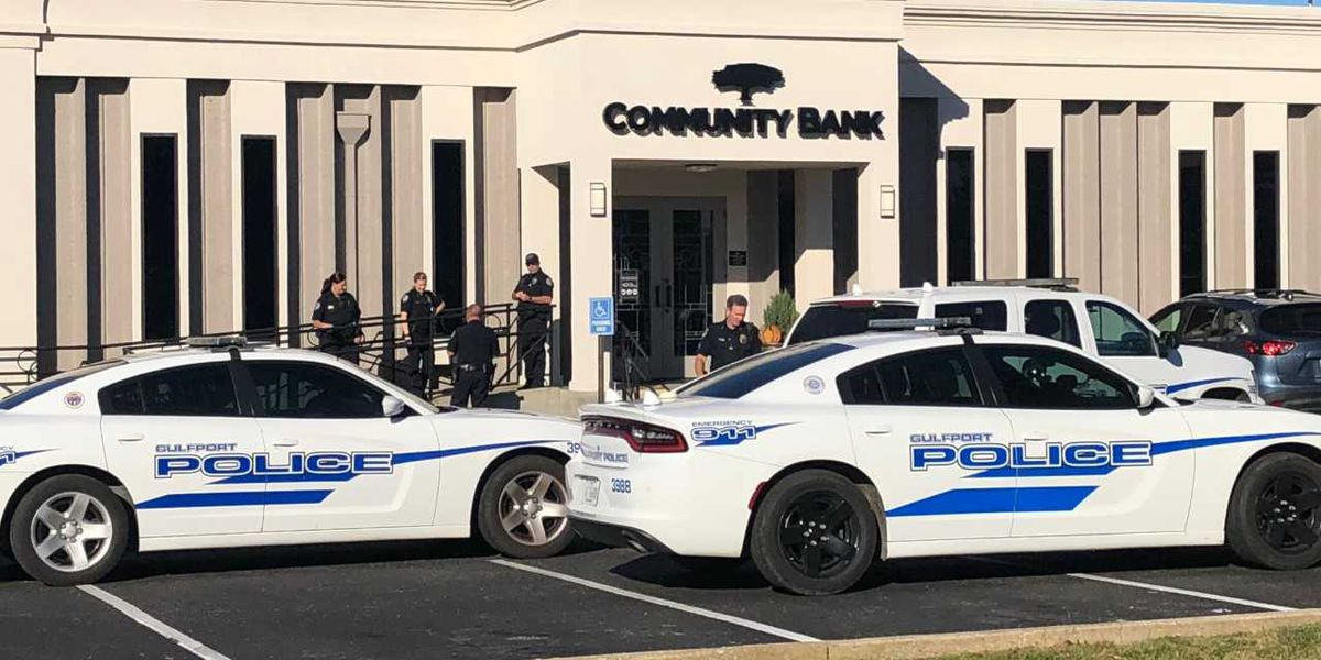 Gulfport police respond to report of armed robbery at Community Bank