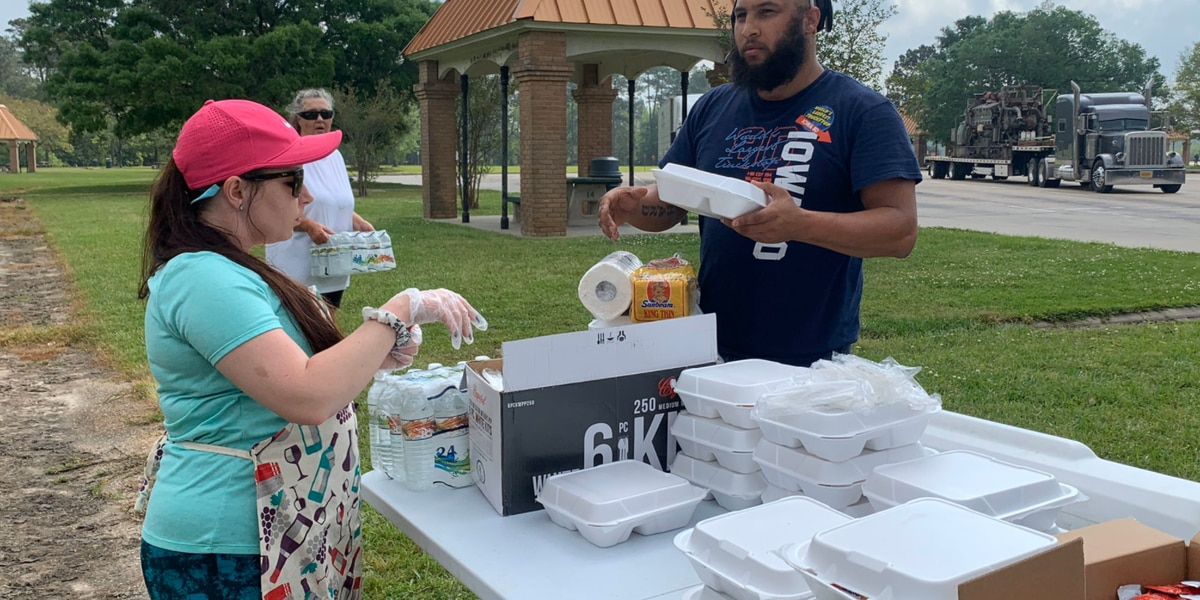 Truck drivers offered free breakfast, lunch as show of gratitude from Jackson Co. residents