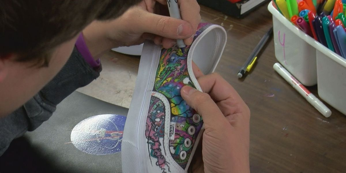 1c02c67678 Students participate in shoe design competition
