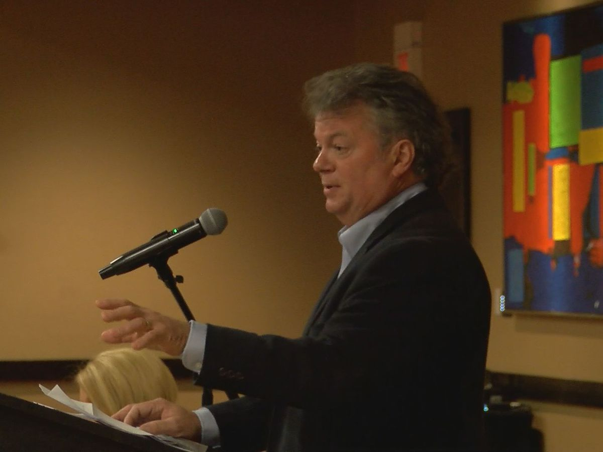 Attorney General Jim Hood applauds Mississippi Crime Stoppers at conference