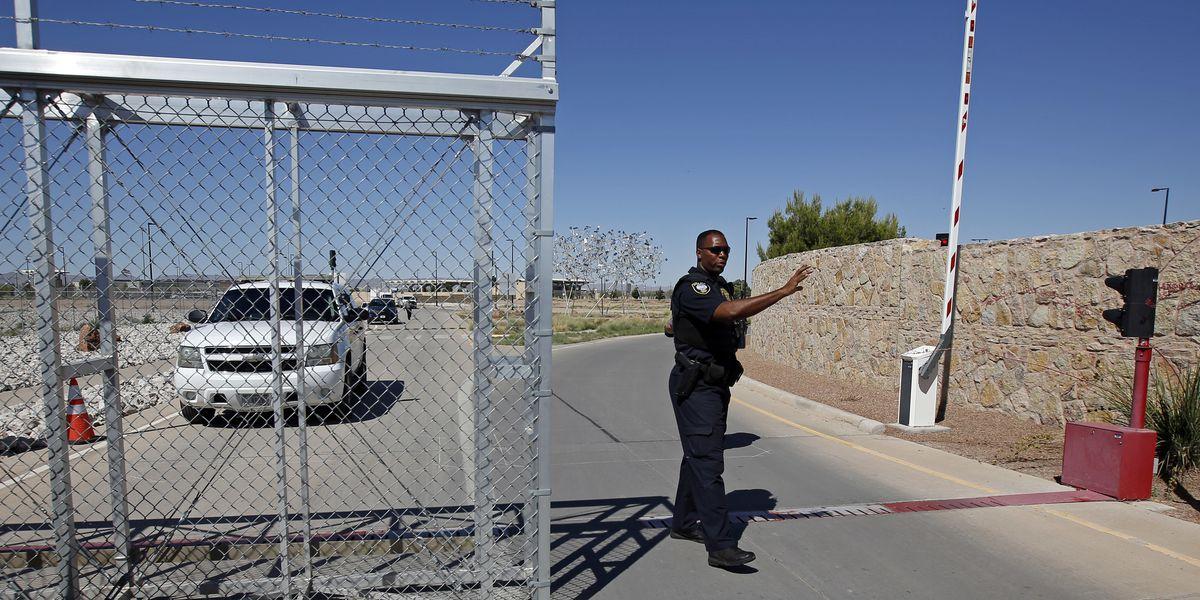 US reverses policy on migrant children's sponsors