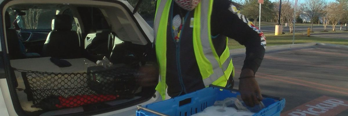 Grocery pickup, delivery offers alternative to long lines ahead of holiday