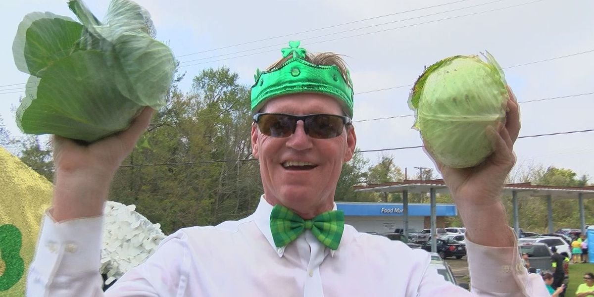 54th annual Waveland Civic Association St. Patrick's Day Parade rolls