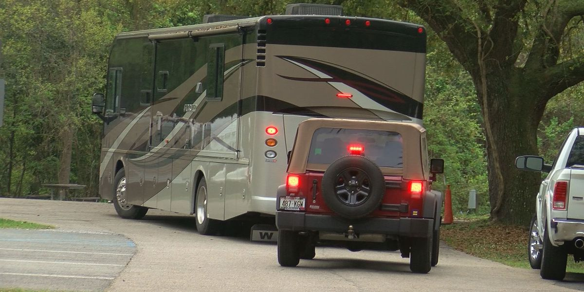 Campers leave Davis Bayou before closing due to COVID-19 concerns