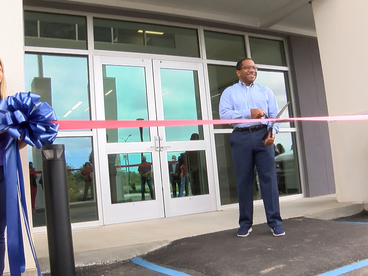 Ingalls Shipbuilding celebrates new human resources facility