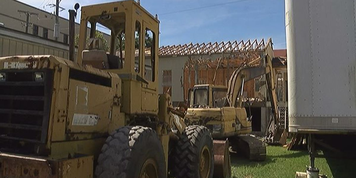 Demolition begins on USM Gulf Park building