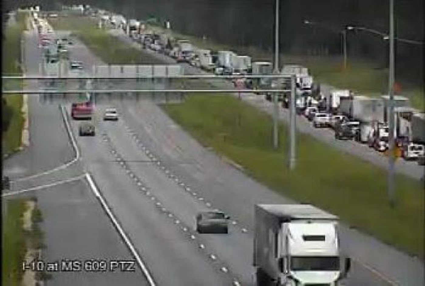 Wreck causes delays on I-10 eastbound in Jackson County