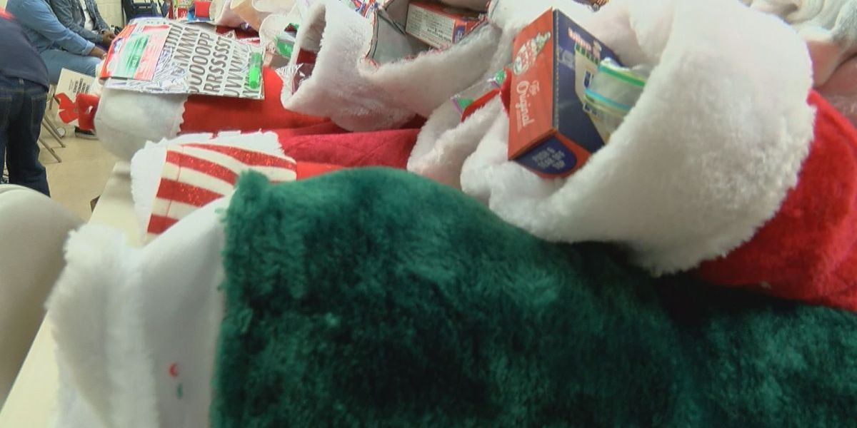 Volunteers surprise South Mississippi homeless with Christmas packages