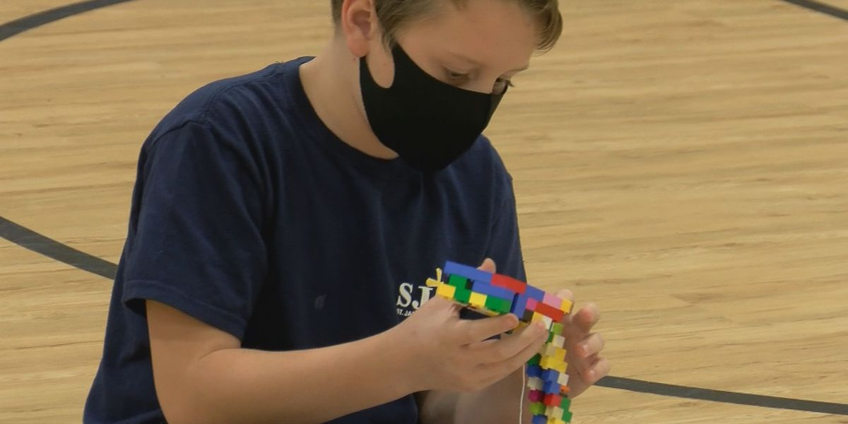 Coast students go hands-on & learn building blocks of construction