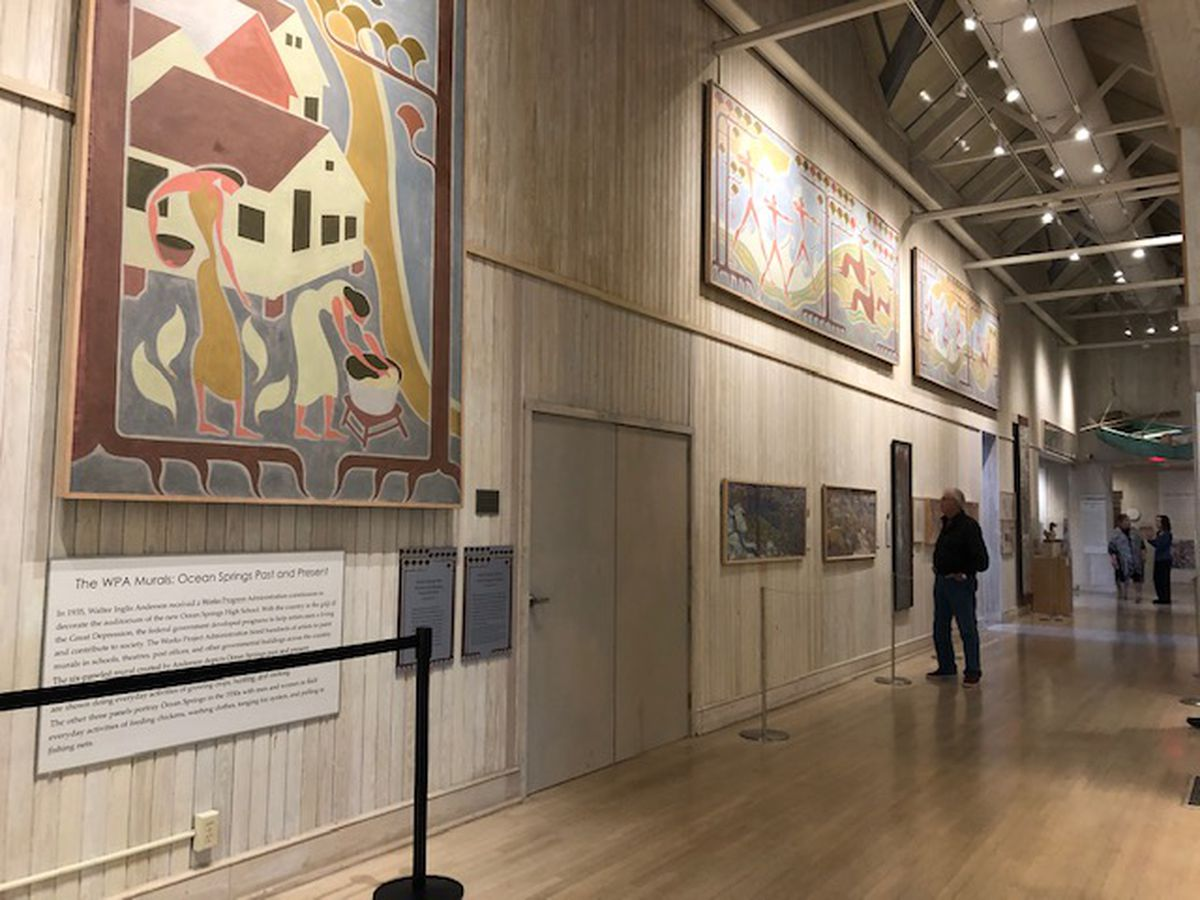 Hundreds take advantage of free admission at the Walter Anderson Museum of Art