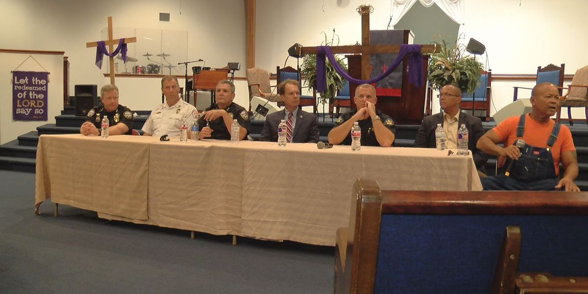 Community conversation encourages dialogue between citizens, police