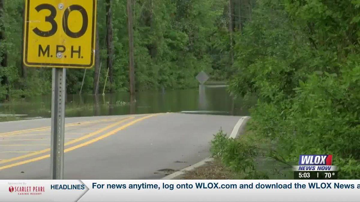 South Mississippi river flooding forecasts