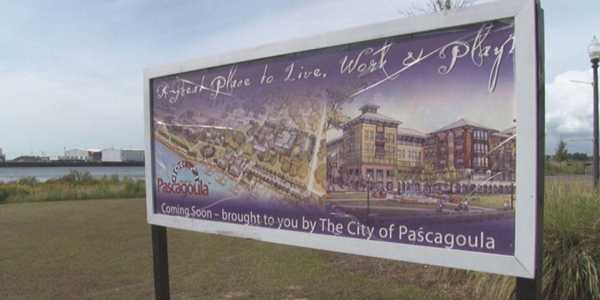 Pascagoula to build $500,000 floating dock