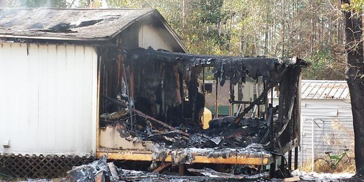 5 people escape Gautier home destroyed by fire