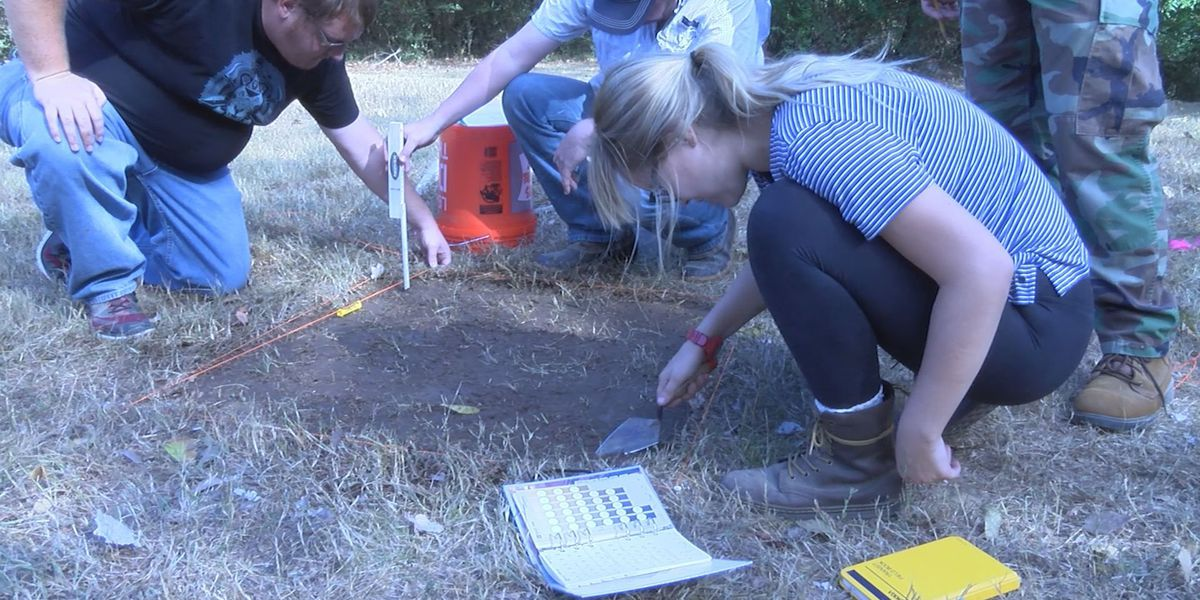 Ole Miss students dig for history at Rowan Oak