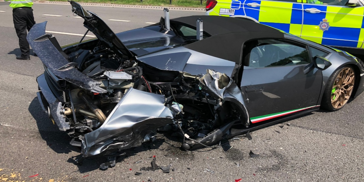 LambNOOOO!: New Lamborghini crashes 20 minutes into first trip, police say
