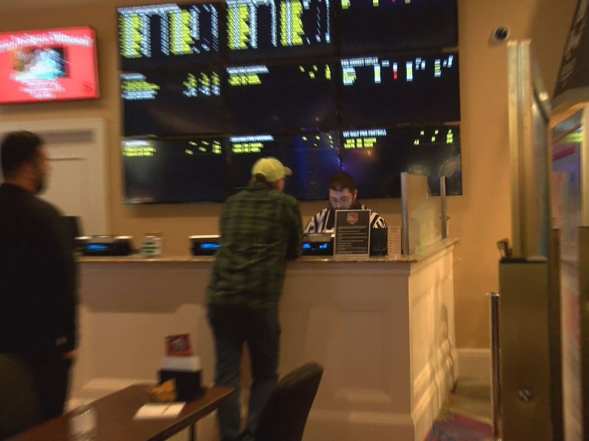 As Super Bowl gets closer, sports books on the Coast stay busy