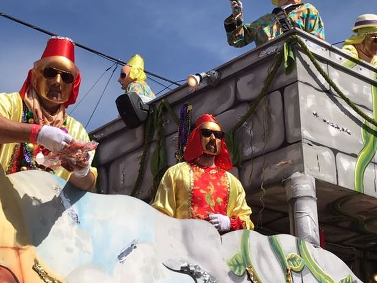 New Orleans EMS: Thoth riders fall off floats in separate incidents; both taken to hospital