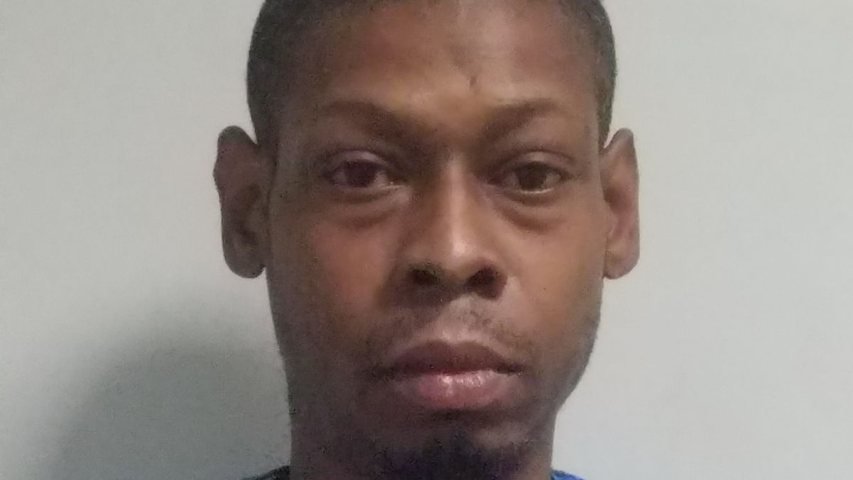 Biloxi man charged after allegedly stabbing man in neck