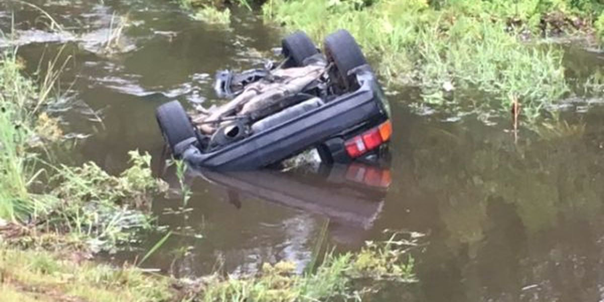 2 injured after car crashes into creek