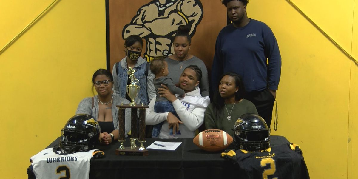 D'Iberville Amarion Fells signs with Louisiana Community Christian