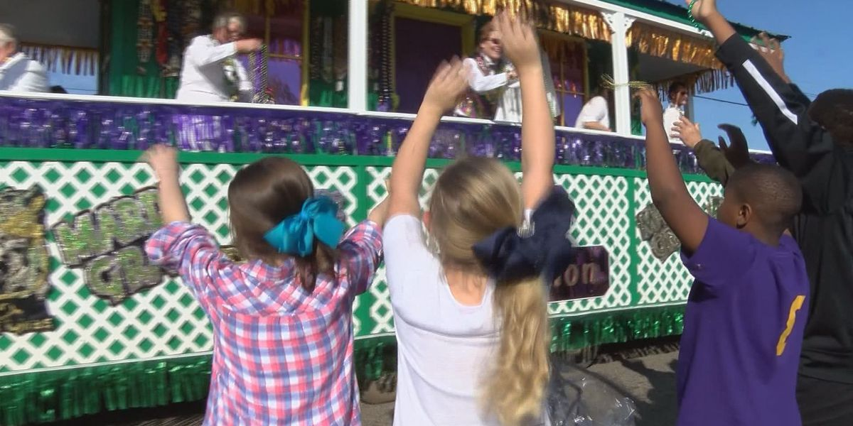 Residents say they will miss Orange Grove Mardi Gras parade