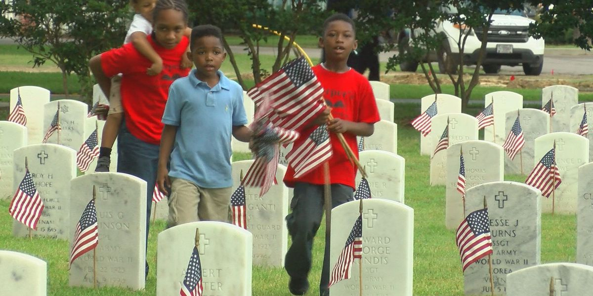 More than 23,000 American flags placed on grave sites at Biloxi National Cemetery