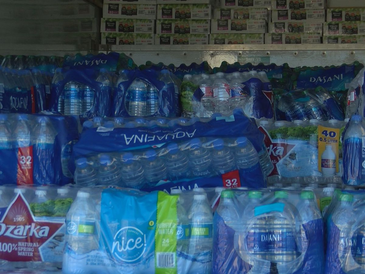 Gulf Coast volunteers deliver water to Jackson