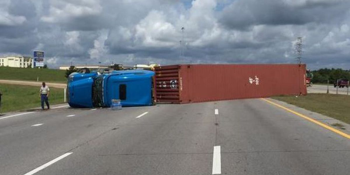 Wreck cleared, southbound lanes of Hwy. 49 reopen