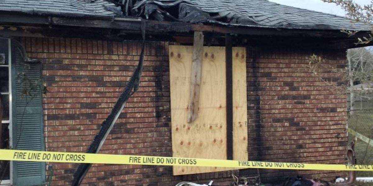 D'Iberville house fire displaces family of eight