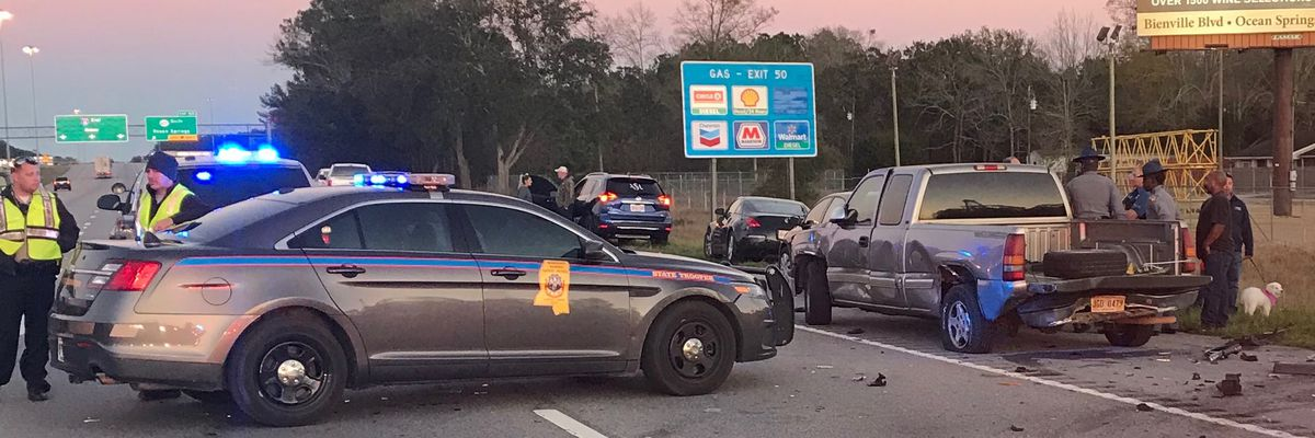 Crash causing delays on I-10 in Jackson County