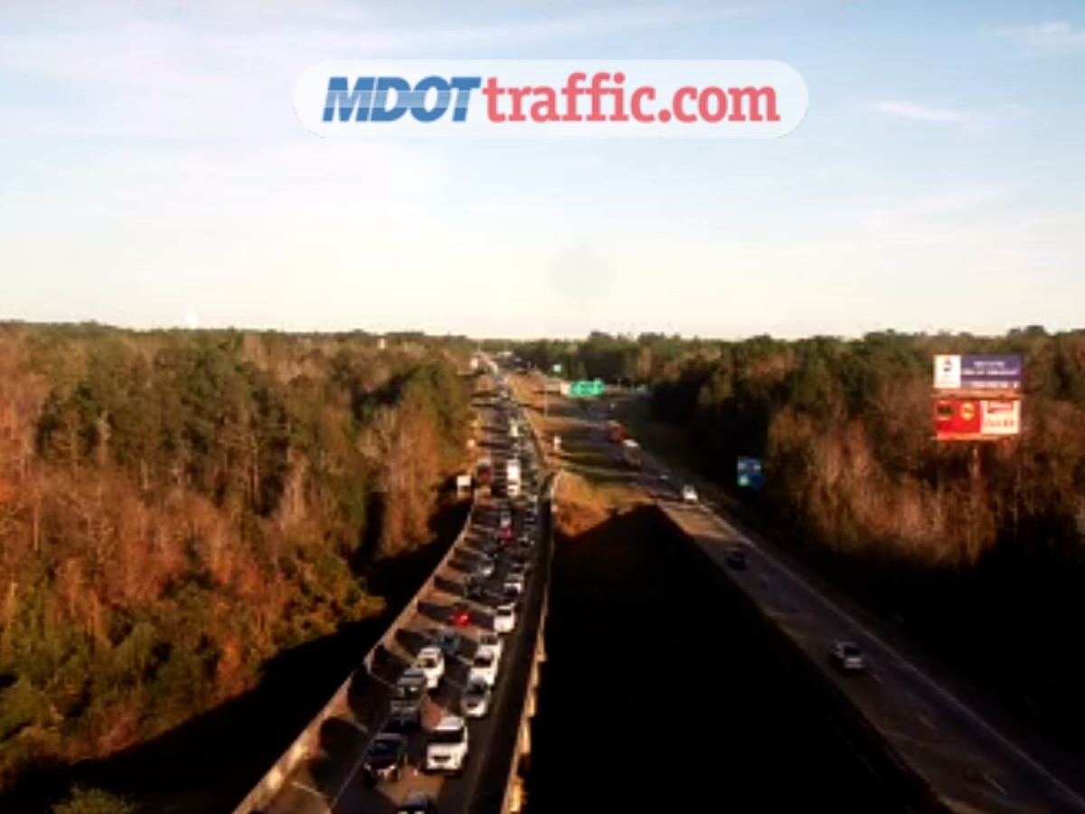 Crash causes traffic delays on I-10 in Jackson County