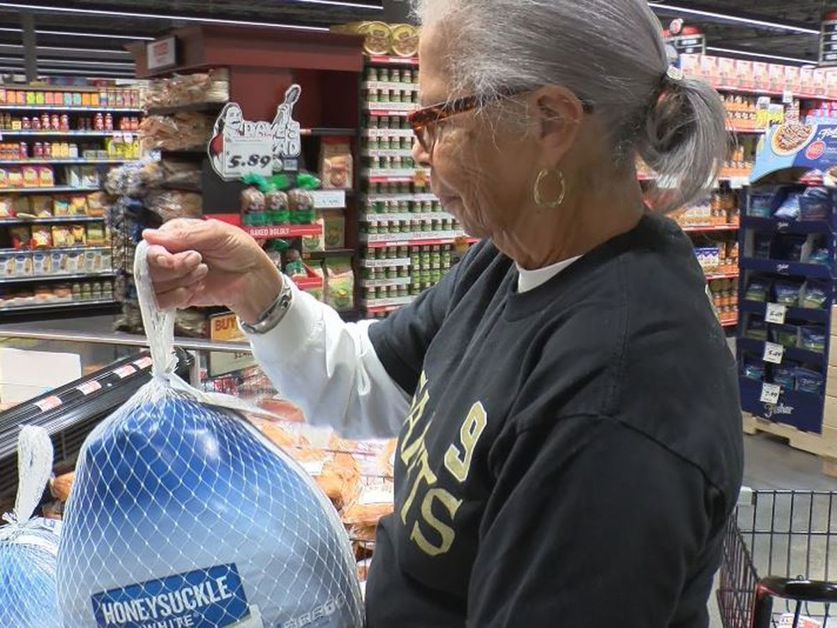 Coast shoppers getting early start on Thanksgiving meal preps
