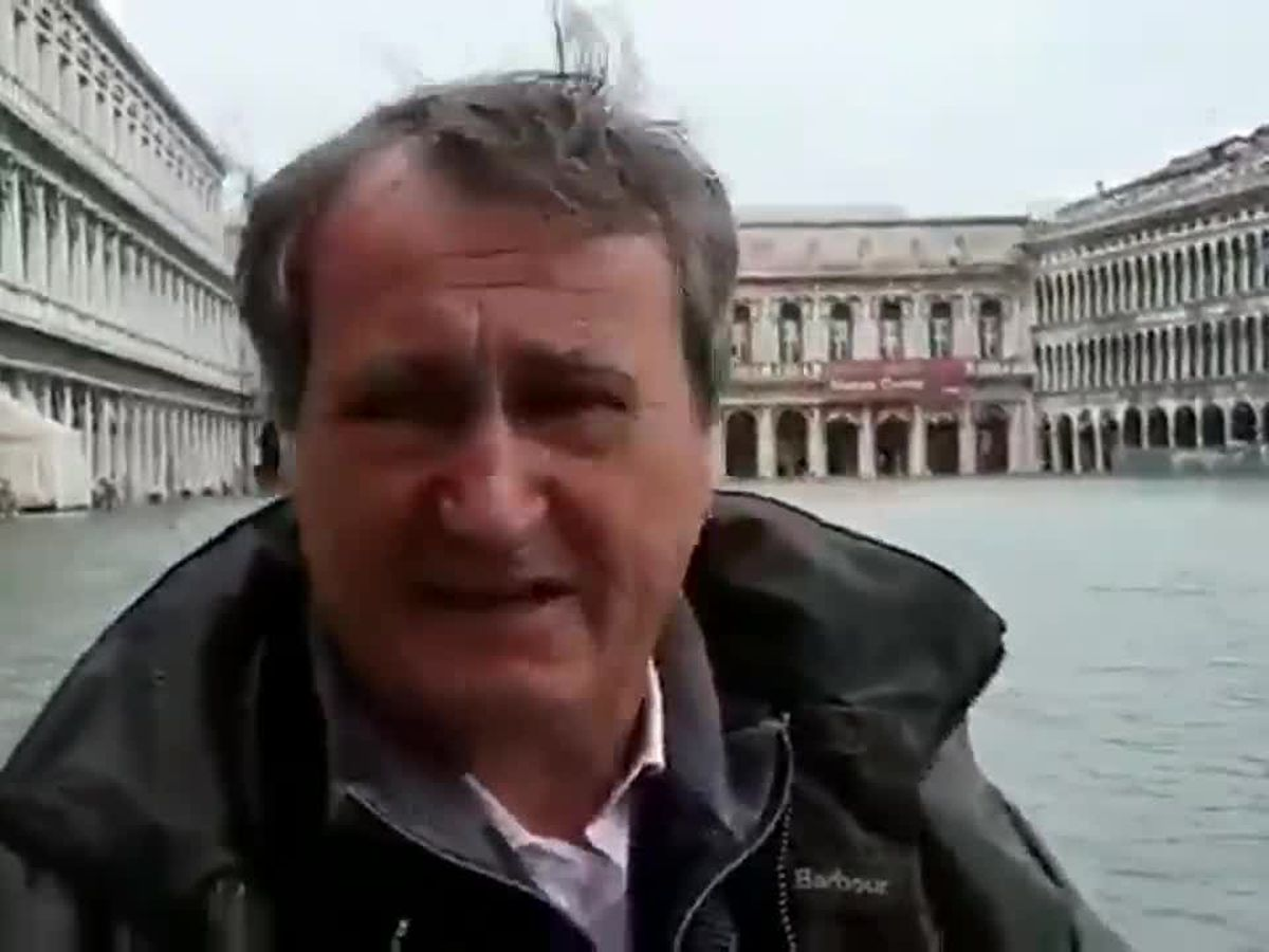 Historic flooding highlights Venice's vulnerability; mayor closes St. Mark's Square