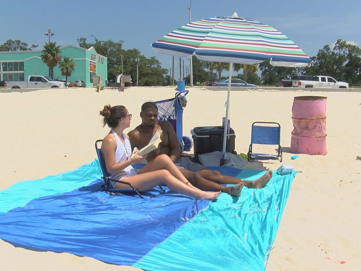 Crowds flock to Biloxi beaches for Independence Day fun amid pandemic
