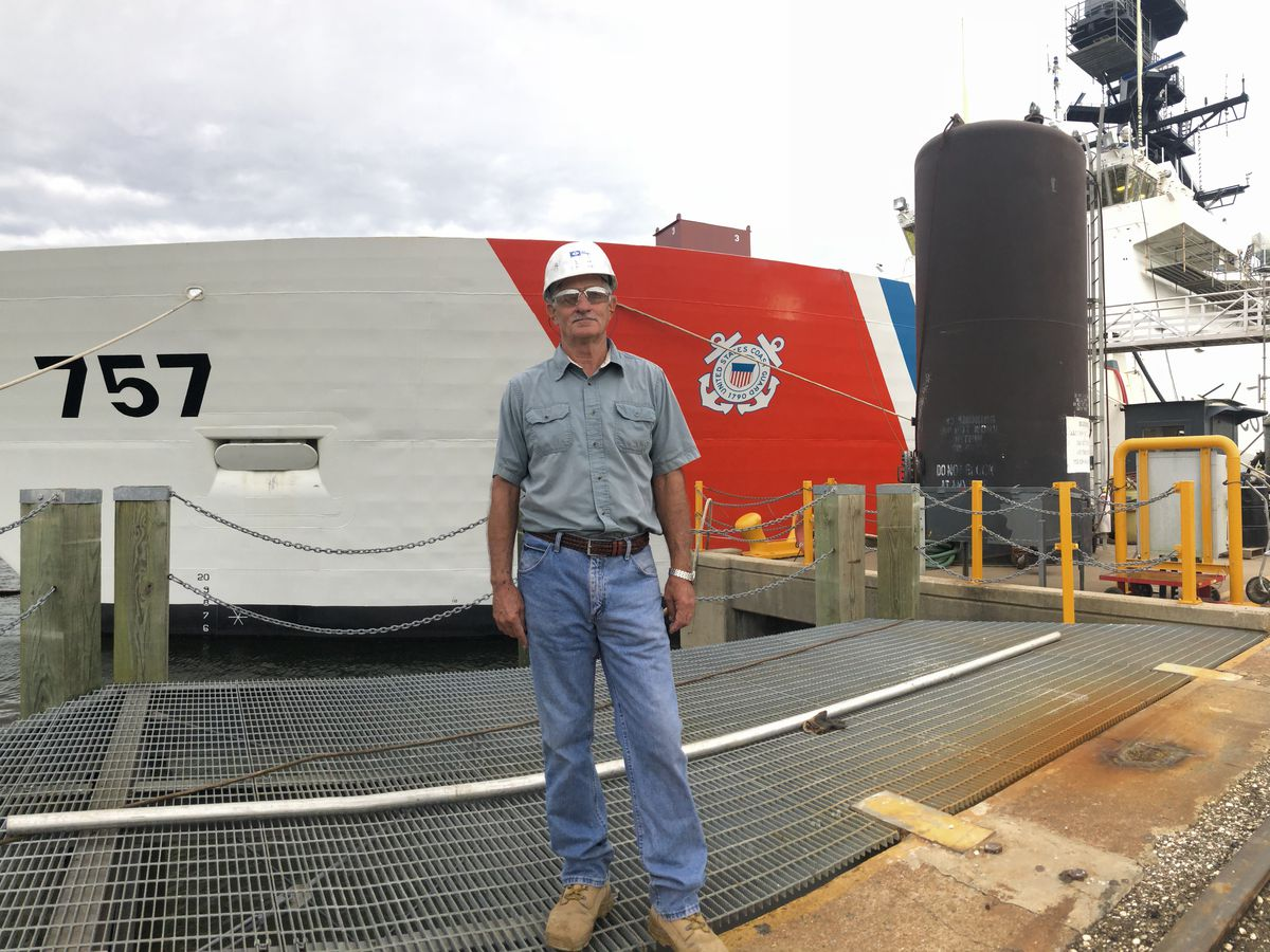 Master Shipbuilder at Ingalls uses experience to mentor others