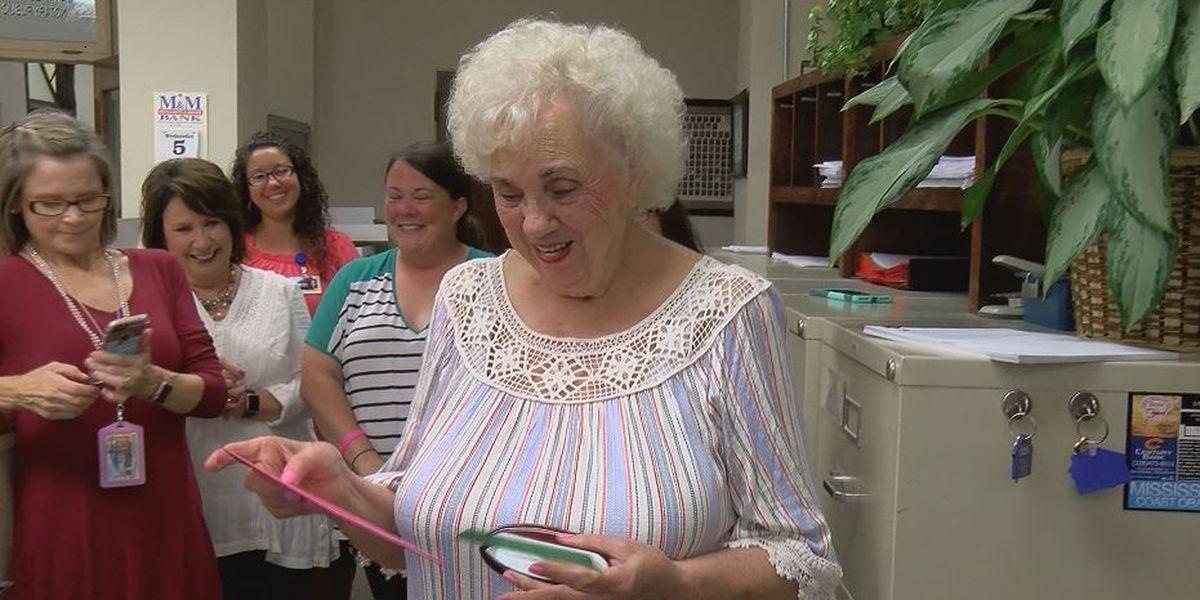 Pascagoula woman still working full time at 90