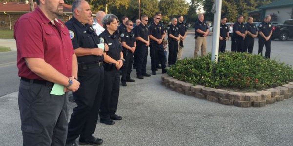 Community gathers to pray for police in Long Beach