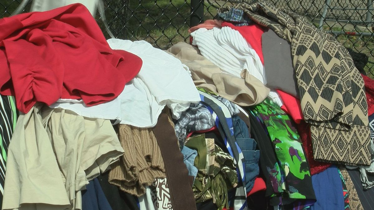 Clothes giveaway helps out those in need