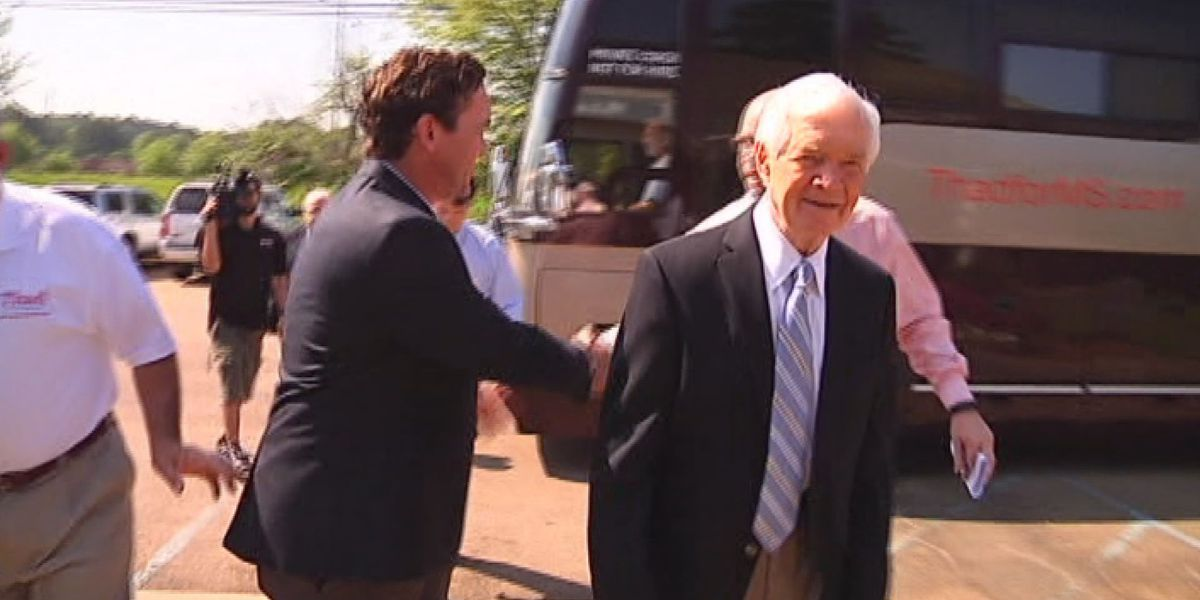 Coast leaders react to Cochran resignation