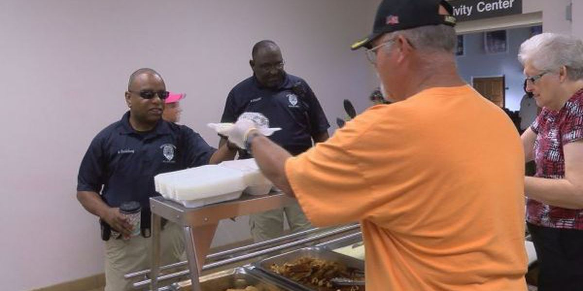 Ocean Springs Methodists serve up a hearty thanks for officers