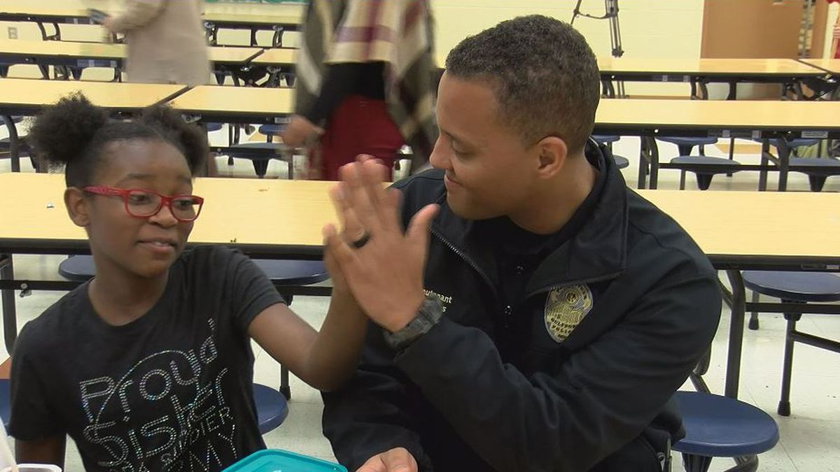 Gulfport PD turns small talk with students to big conversations