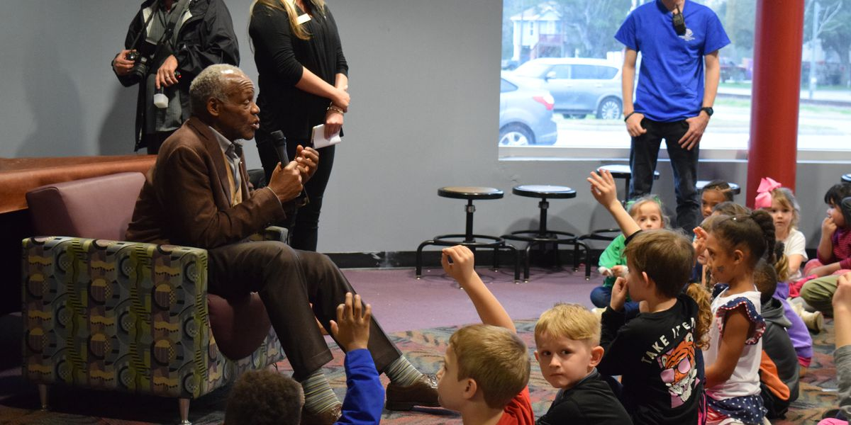 Danny Glover upholds promise, visits Boys and Girls Club