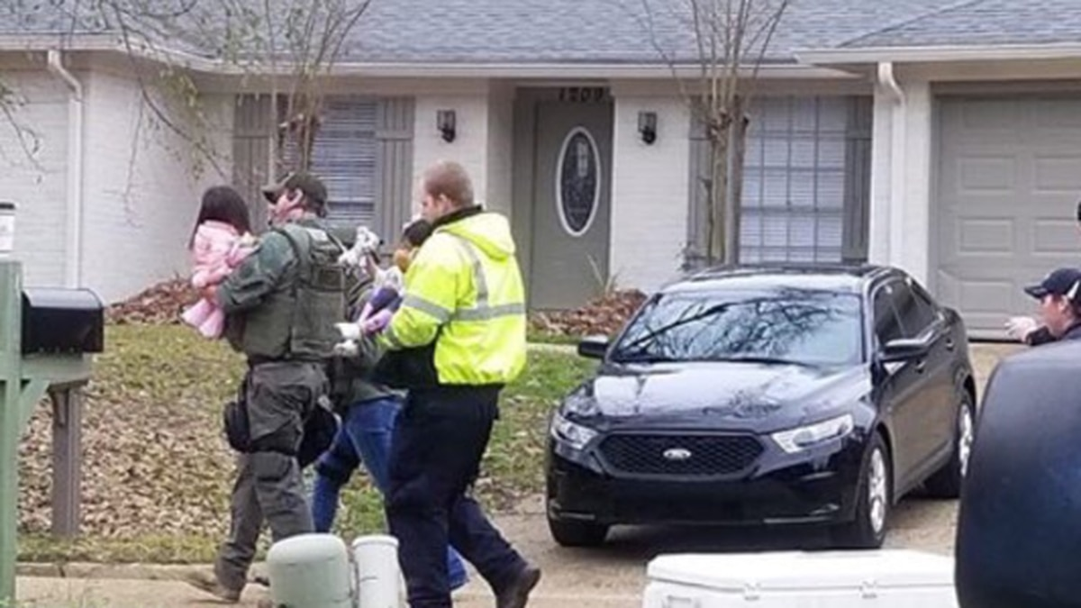 Mississippi hostage situation brought to end; multiple casualties reported
