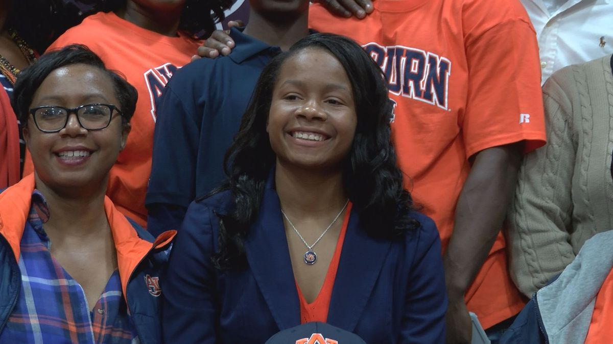 East Central's Sania Wells signs with Auburn