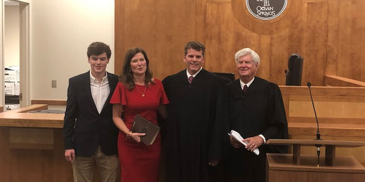 Ocean Springs Municipal Court Judge Calvin Taylor sworn in