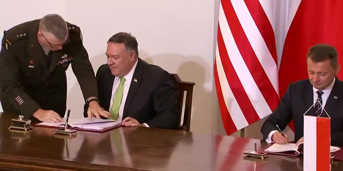 Pompeo signs defense agreement with Poland